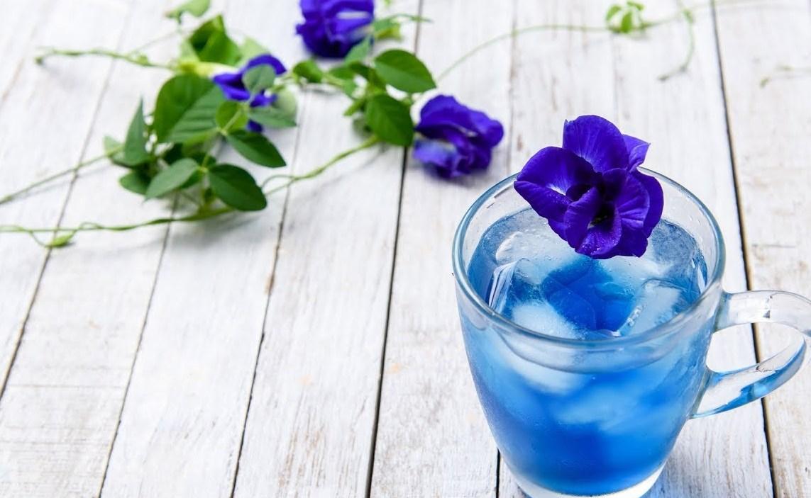 Пурпурный чай со льдом